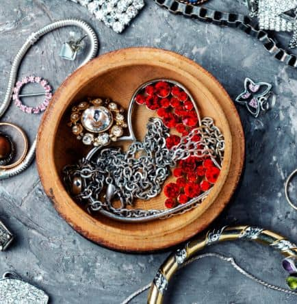 Protecting Antique Jewelry: 5 Top Tips!