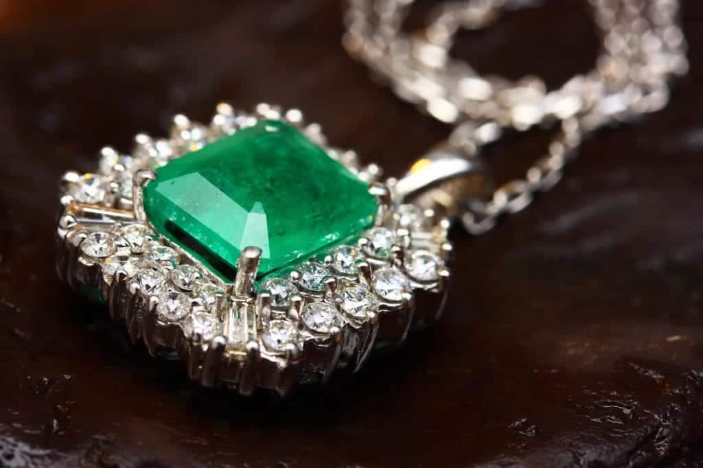 Jewel Buying Tips For First Time Buyers